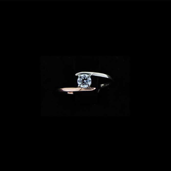 Anello in oro e diamante Carl Ring