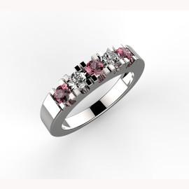 anello in platino con rubini e diamanti