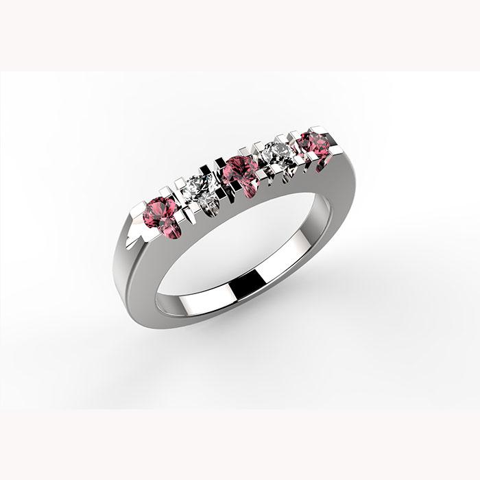 anello in platino o oro con diamanti e rubini