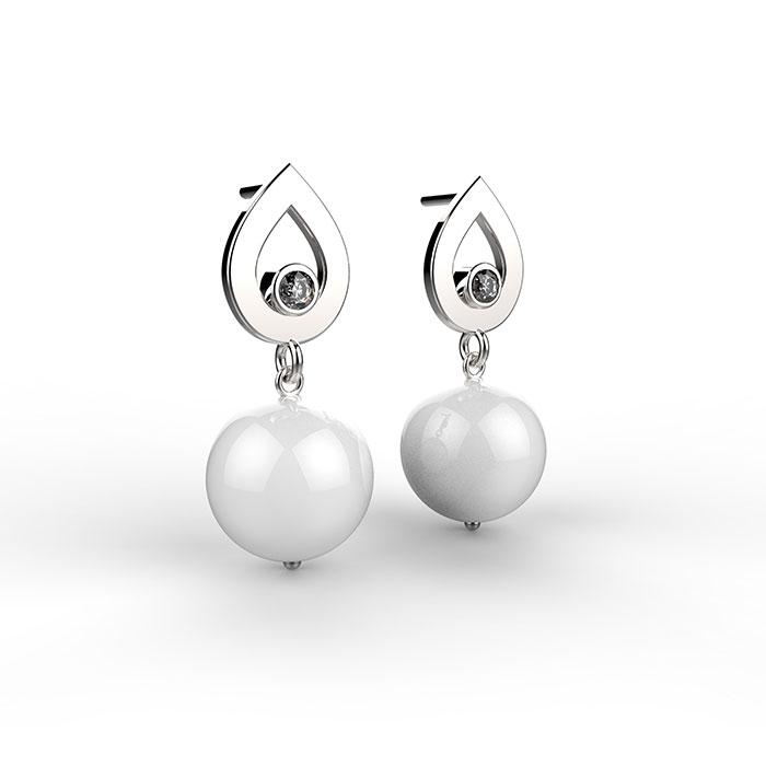 orecchini in oro bianco con perle da 9mm e diamanti