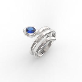 anello a serpente in oro bianco con pietre preziose nella nostra oreficeria a Roma e sullo store online