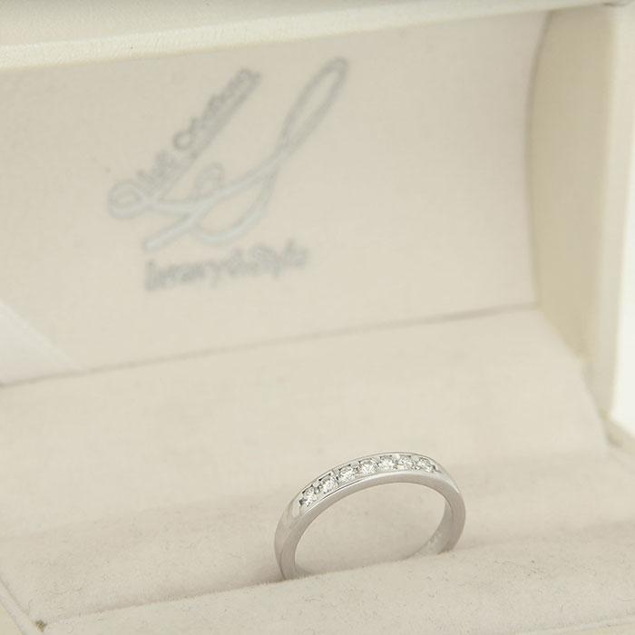 anello in platino o in oro bianco con diamanti Roma